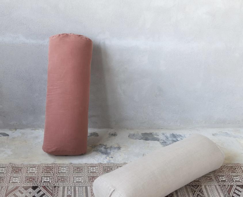 billed af yogabolster i rust og sand farve